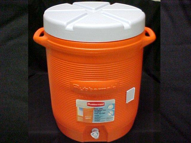Portable Rubbermaid Water Beverage Thermal Coolers
